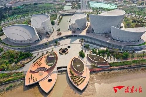 福州海峽藝術文化中心馬鞭草花開成海